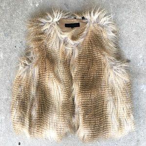 🆕 Listing!  Steve Madden   Faux Fur Vest